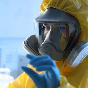 Choisir et manipuler les biocides : sécurité du personnel